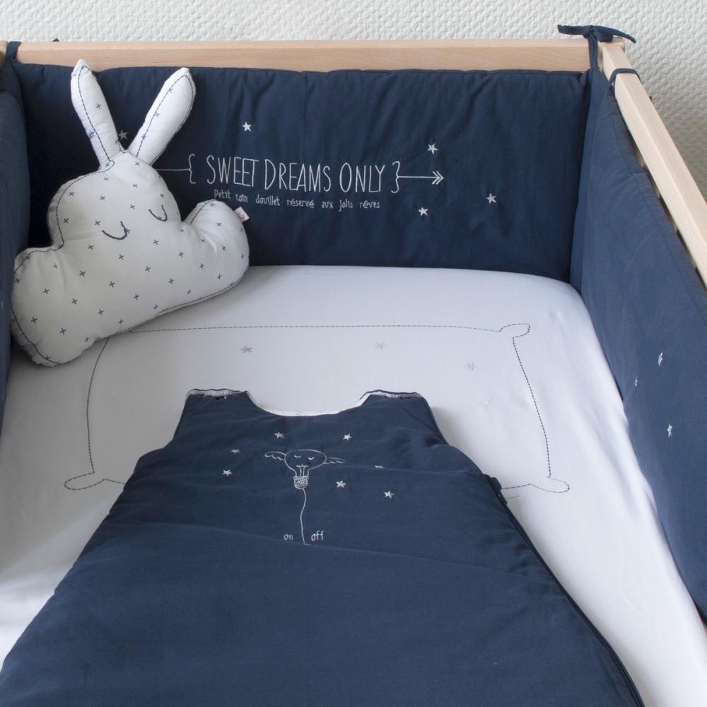 tour de lit bleu marine sweet dreams little crevette. Black Bedroom Furniture Sets. Home Design Ideas